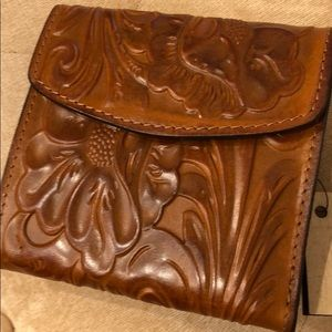 Patricia Nash RFID Tooled Leather Wallet NWT
